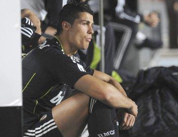 [Noticia] Cristiano Ronaldo esta lesionado e falha apresentaçao a candidatura. Cristronaldosentadolusa