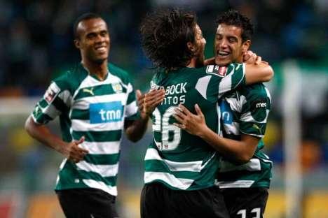 Diogo Salomão festeja golo com André Santos (SCP)