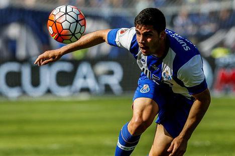 Feirense-FC Porto  um vermelho precoce ajudou os azuis  3570def2b2c04