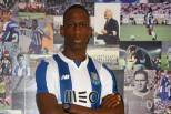 Bolly com camisola do FC Porto