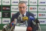 Augusto Inácio em conferência de imprensa