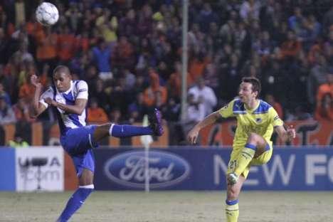 Fernando com Manduca no Apoel-FC Porto