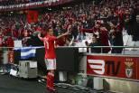 Jonas (Benfica) Festeja com adeptos
