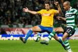 Liga NOS (Estoril - Sporting CP) João Mário disputa bola com adversário