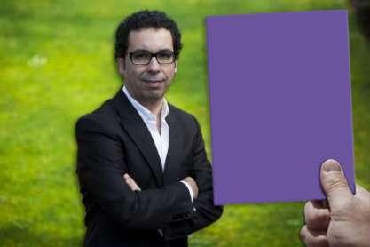 Rui Santos. cartão roxo
