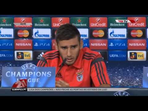 Sálvio, Grimaldo e Jovic inscritos na Champions