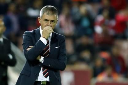 11 nacionalidades do Granada - treinador Lucas Alcaraz