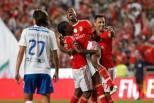 Victor Andrade (Benfica) festeja golo com Semedo e Jonas