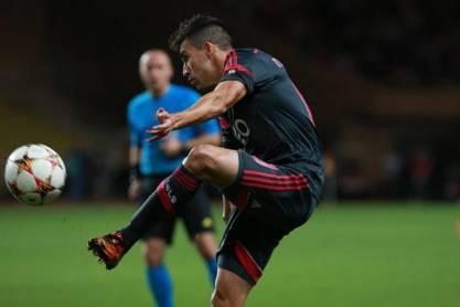 Gaitán recebe bola (Benfica)