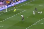 Vídeo: Messi ganha a Boateng