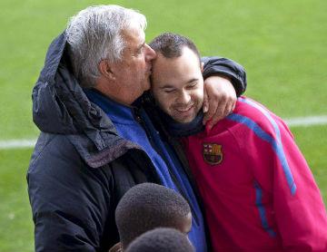 Iniesta e Albert Benaiges (Formação do Barcelona): Lusa