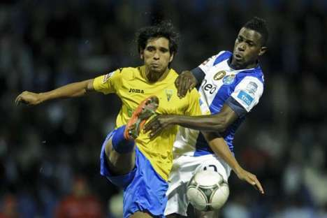 Estoril-FC Porto: Anderson vs Varela (28-10-2012)